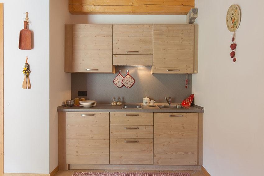 Un b b arredato in legno massello - Mobili per bed and breakfast ...