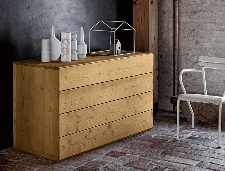 Comodini e com in legno massello for Como x camera da letto