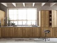 Colonne cucina in legno vecchio