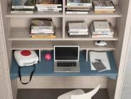 Libreria con piano estraibile in legno