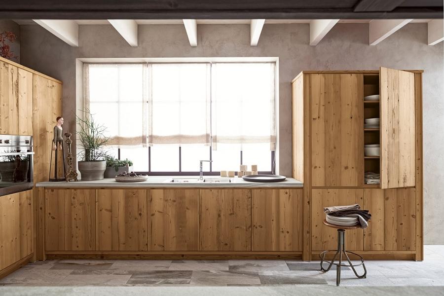 Cucina ad angolo scandola mobili - Cucine in abete ...