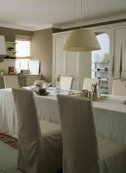 Cucina classica con sala da pranzo