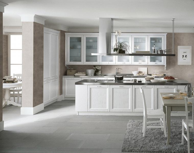 Cucina new classic lineare con isola Scandola