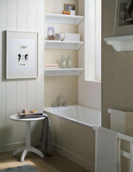 Arredamento classico per bagno - Bagno con boiserie ...