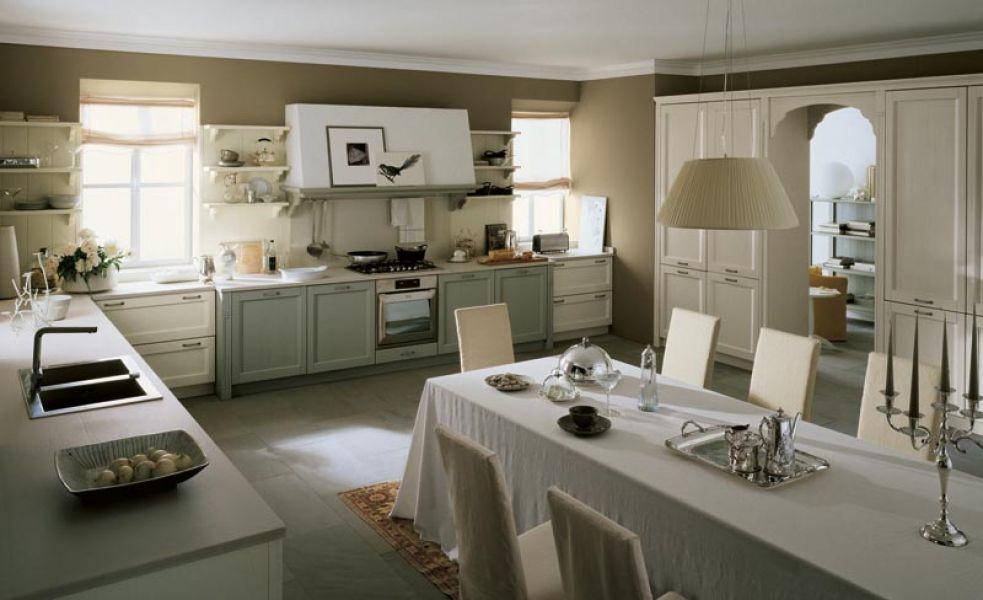 ampia cucina conviviale classica