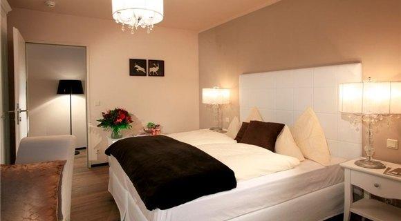 camera di albergo sulle Alpi