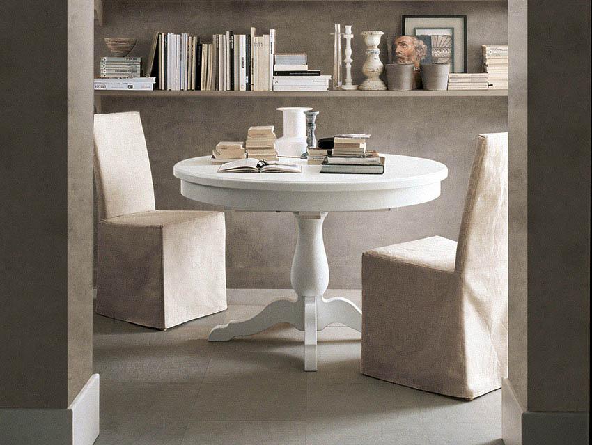 Tavolo in legno rotondo