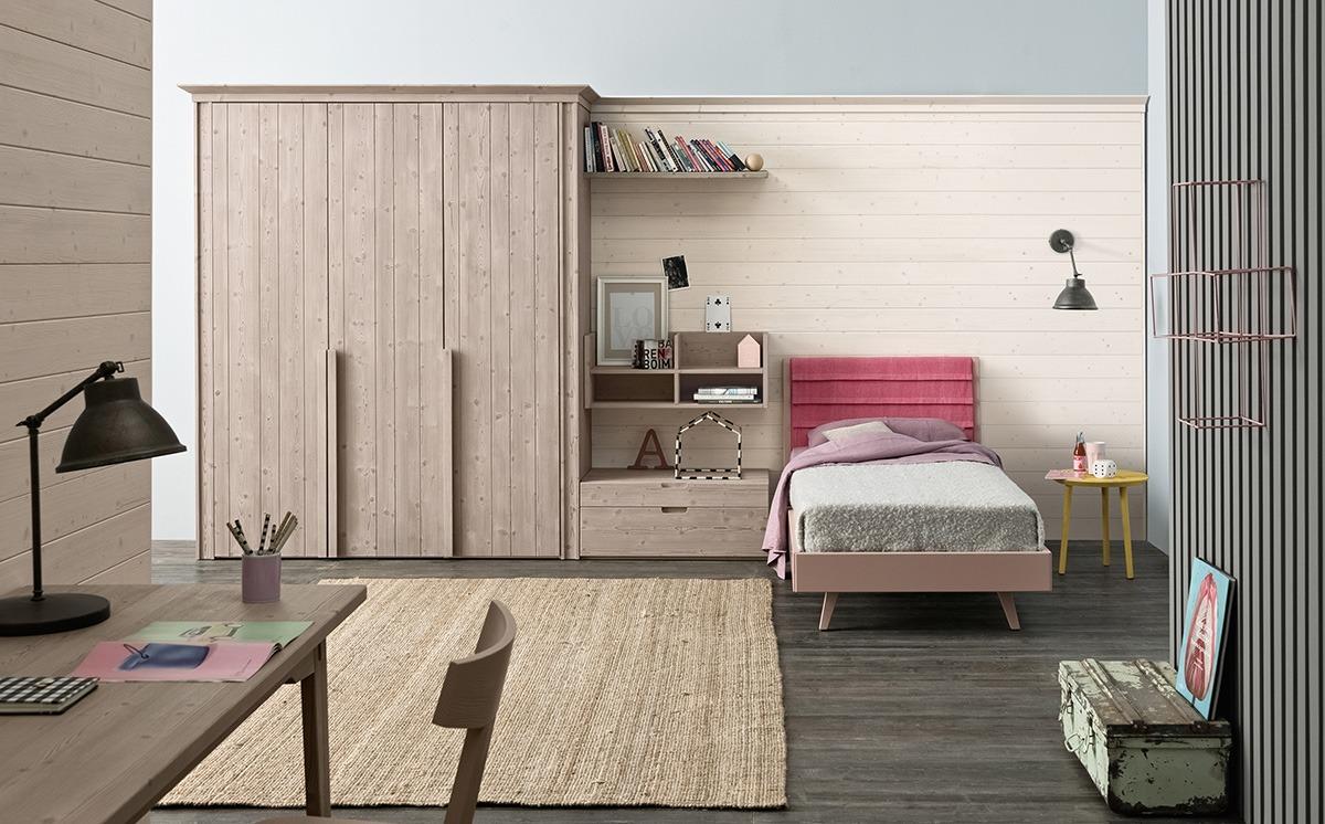 Pannellatura legno dietro letto